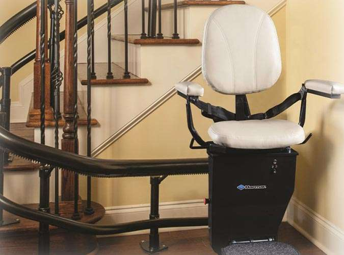 Straight vs Curved Stair Lift - Which is Right for You
